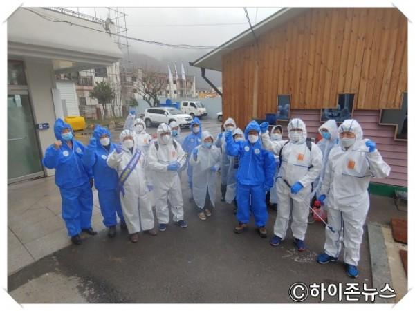 batch_[크기변환]장성동 주민자치위원회‧통장협의회, '클린 태백 만들기' 동참 1.jpg